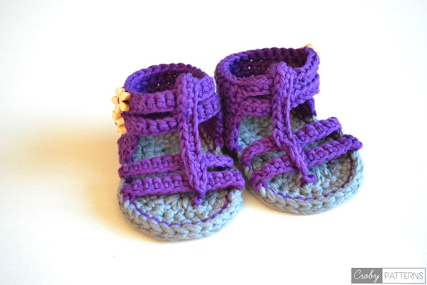 Free Knitting Patterns For Baby Sandals : Croby Patterns PURPLE GLADIATOR   Crochet Baby Sandals