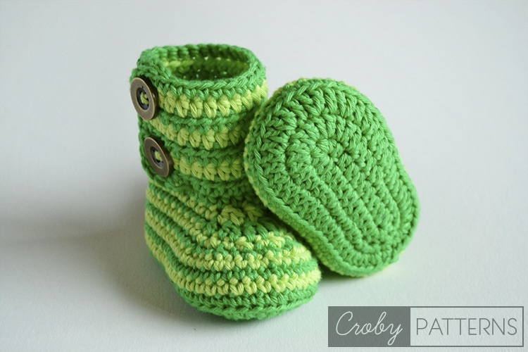 Free Crochet Pattern Of Baby Booties : GREEN ZEBRA ? Crochet Baby Booties FREE Croby Patterns