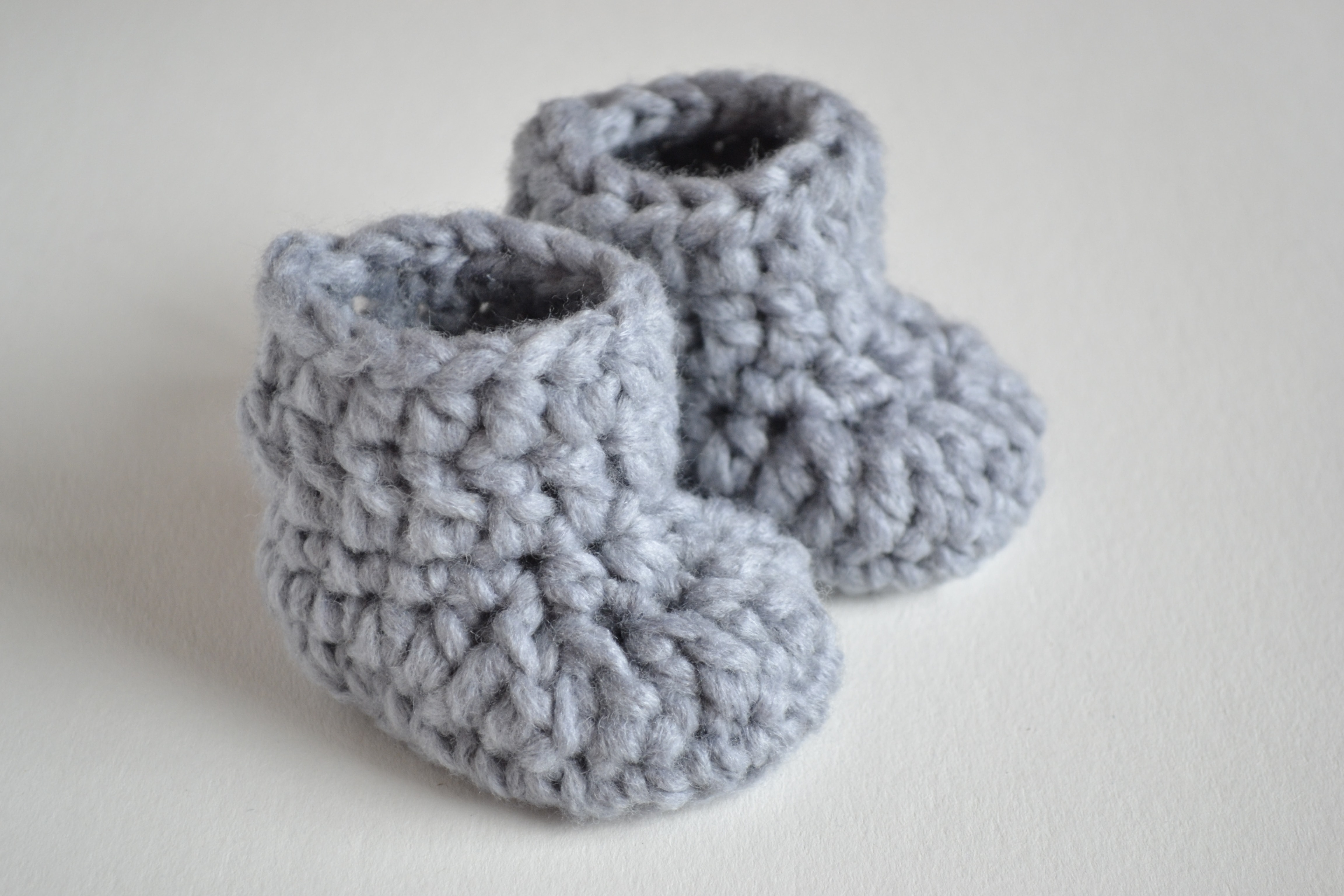 Croby Patterns SO FLUFFY - Crochet Baby Booties and Beanie FREE