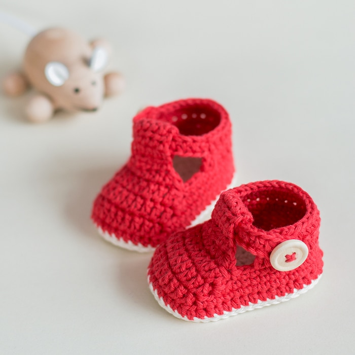 Crochet Baby Booties pattern Ruby Slippers by Croby Patterns