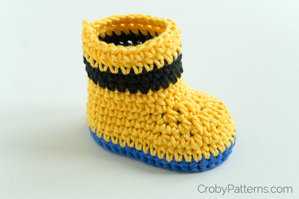 Free Crochet Pattern Minion Baby Booties : Free Crochet Pattern ? Minion Inspired Baby Booties ...