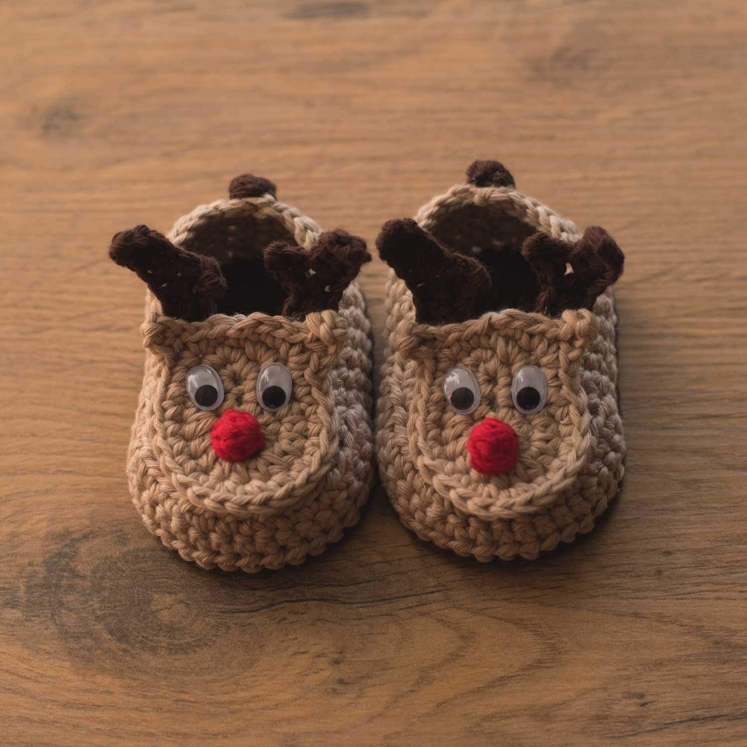 Oh Deer - reindeer crochet baby booties pattern by Croby Patterns