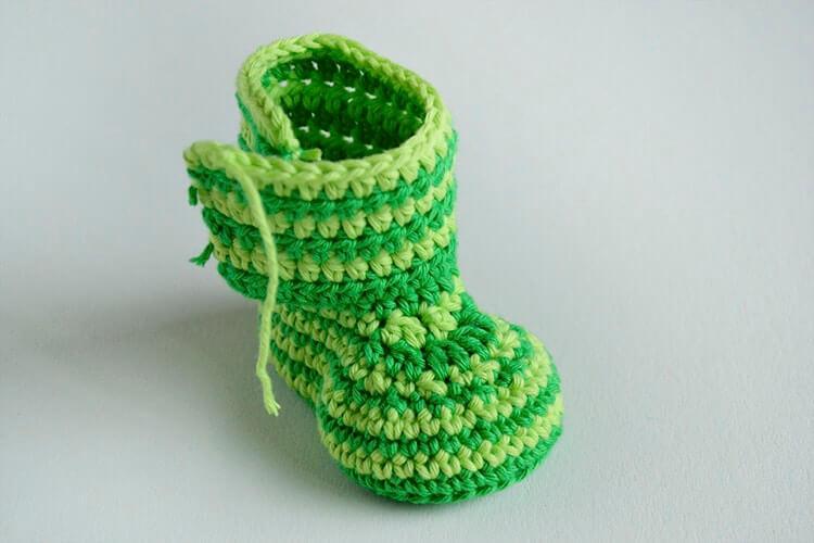 Free Pattern Crochet Baby Booties Green Zebra Croby Patterns