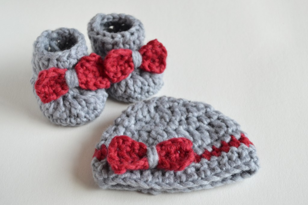 SO FLUFFY - Crochet Baby Booties and Beanie