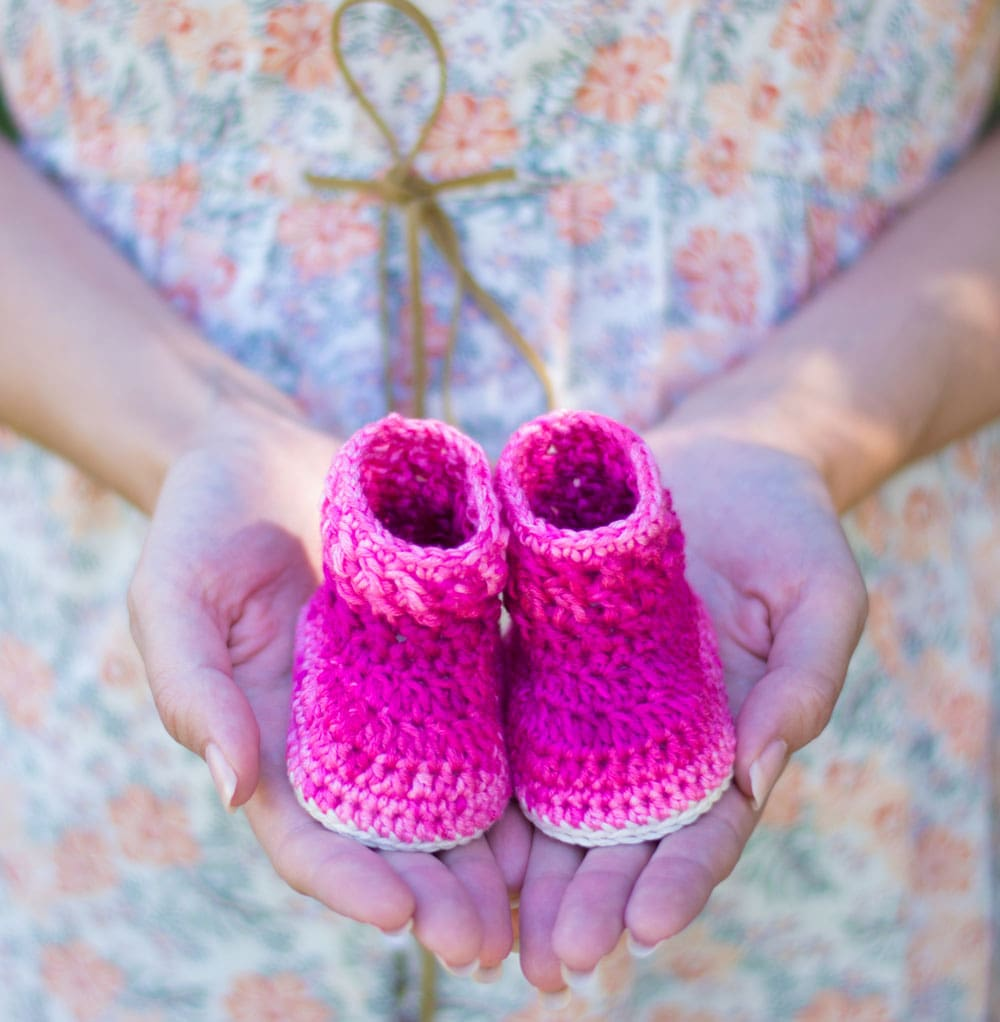 Cable Stitch Baby Booties by Croby Patterns