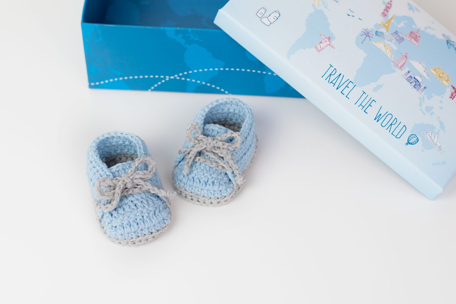 FREE PATTERN: Crochet Baby Sneakers | Croby Patterns