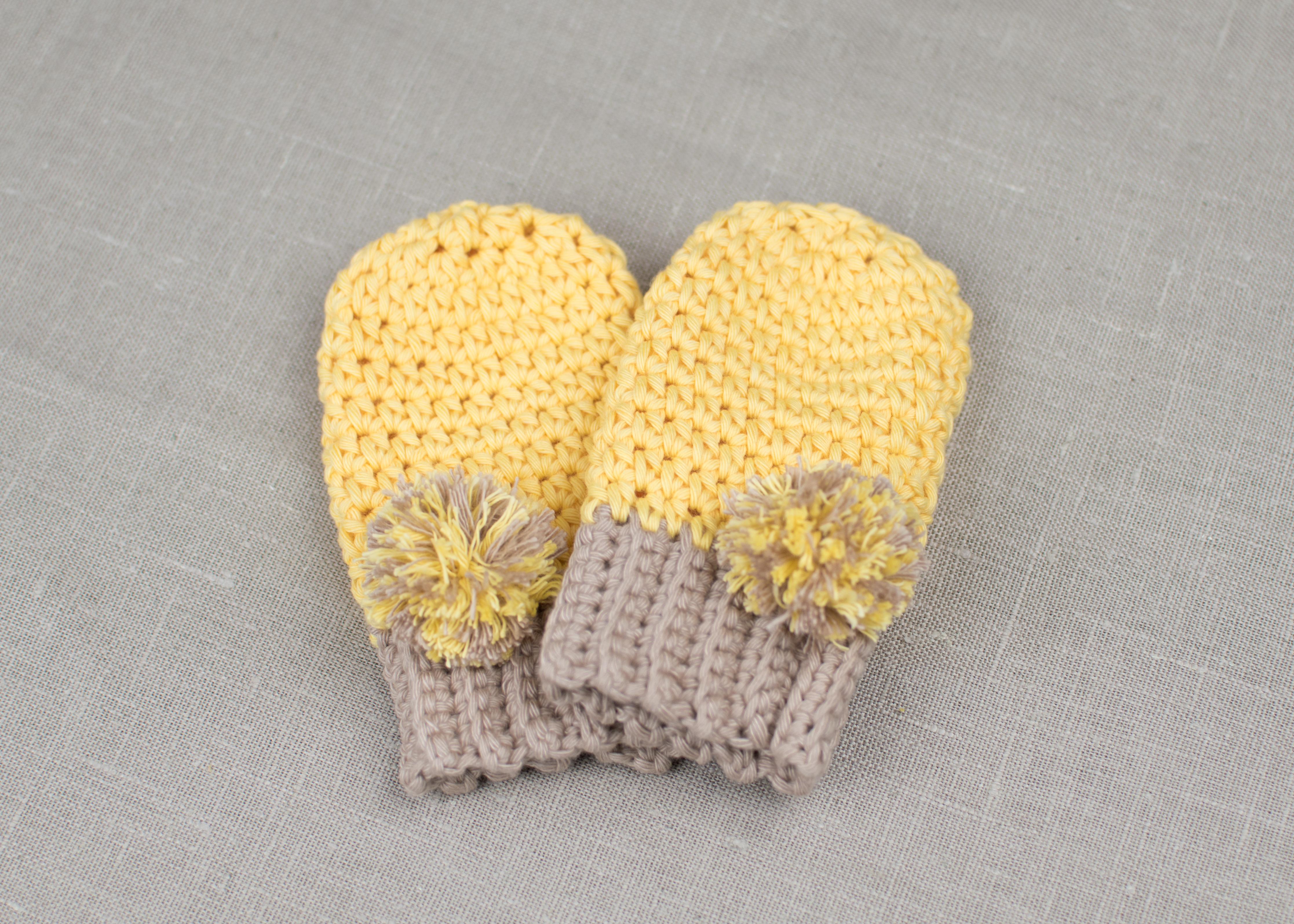 Free Pattern How To Crochet Baby Mittens Croby Patterns