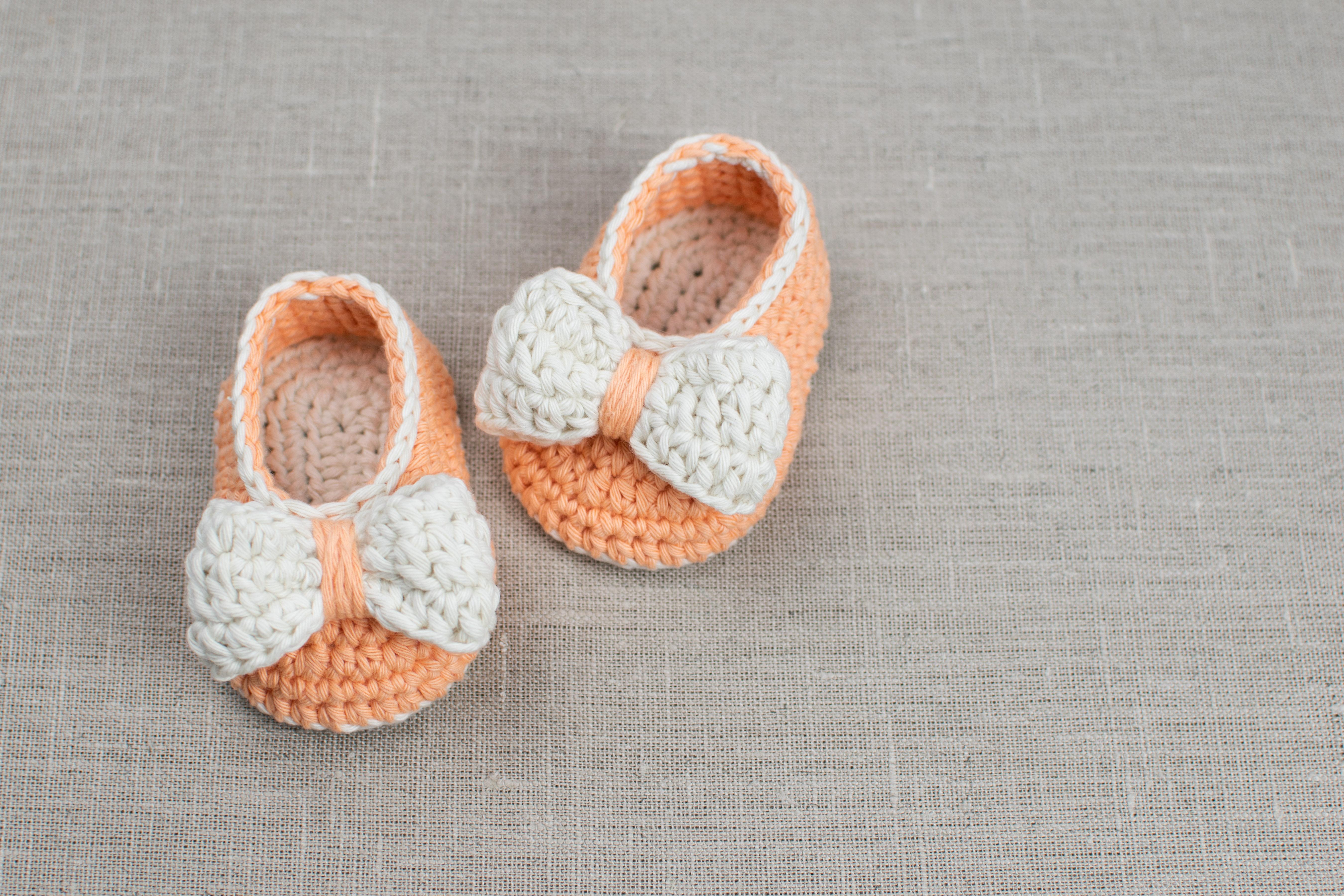 5934c0c41c11 Free Pattern  Crochet Baby Booties Orange Pumpkin
